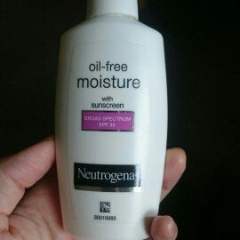 Neutrogena Oil-Free Moisture Facial Moisturizer SPF 35 uploaded by Quynh P.