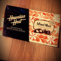 Hawaiian Host Chocolate Covered MACADAMIA NUTS BOX NET WT 8 OZ (226 g) uploaded by Tylina G.