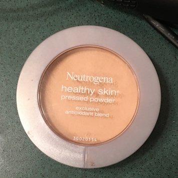 Neutrogena Healthy Skin Pressed Powder uploaded by Alicia H.