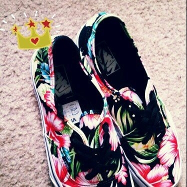 Vans Authentic Skate Shoe - Women's (Hawaiian Floral) Black, 9.0 uploaded by Ke'Asia S.