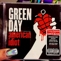 Reprise Green Day - American Idiot (Parental Advisory) uploaded by Margarita G.