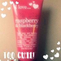 I Love... I Love. Raspberry & Blackberry Exfoliating Shower Smoothie Cream uploaded by Pamela L.