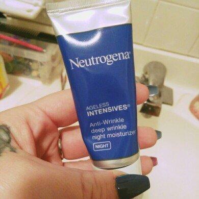 Neutrogena Ageless Intensives® Anti-Wrinkle Deep Wrinkle Night Moisturizer uploaded by April D.