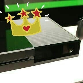 Microsoft Corp. Microsoft Xbox One Gaming Console uploaded by Andre S.