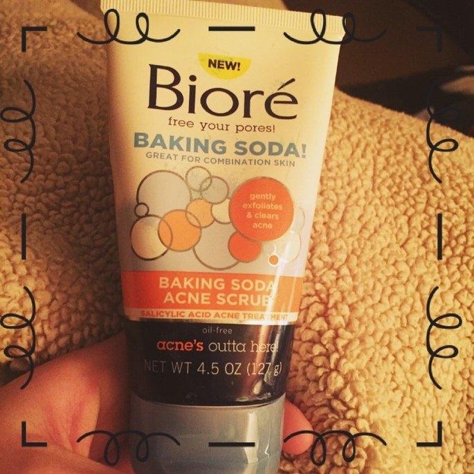 Biore® Baking Soda Acne Scrub uploaded by Kayla H.