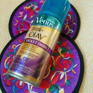 Photo of Gillette Venus Ultramoisture Violet Swirl Shave Gel with Olay uploaded by swati s.
