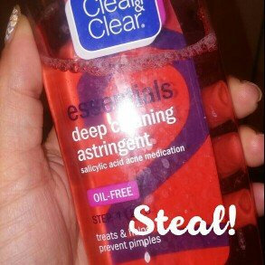 Photo of Clean & Clear® Essentials Deep Cleaning Astringent uploaded by Tara C.