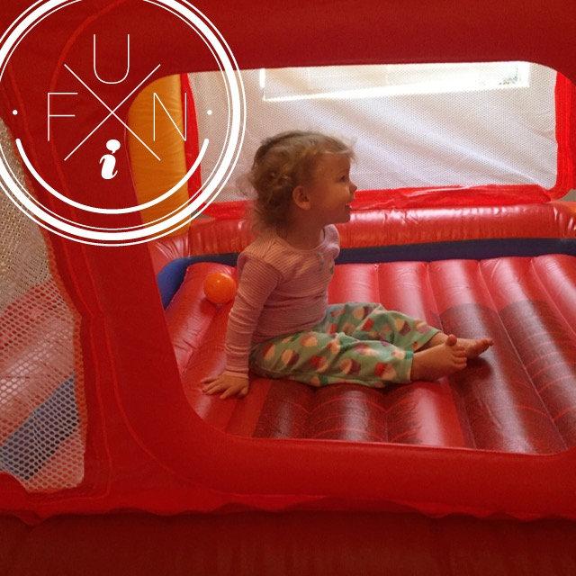 INTEX Inflatable Jump-O-Lene Playhouse / 48260EP