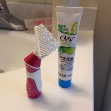 Photo of Olay Fresh Effects Va-Va-Vivid Powered Contour Cleansing System uploaded by Samantha K.