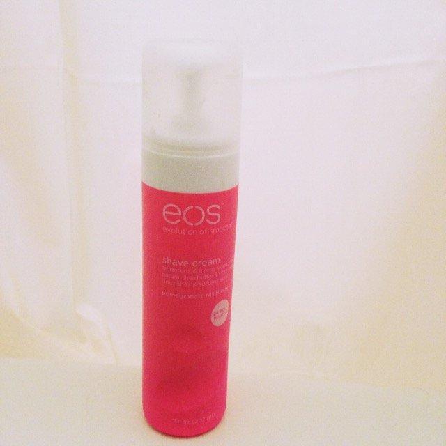 eos™ Ultra Moisturizing Shave Cream Pomegranate Raspberry