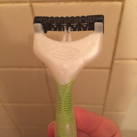 Schick Xtreme 3 Disposable Hawaiian Tropic Razor uploaded by Sophie D.
