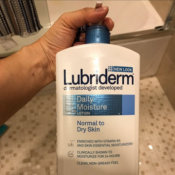 Lubriderm Dermatologist Developed Normal to Dry Skin Daily Moisture Lotion uploaded by Jin C.