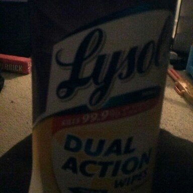 Lysol Dual Action Disinfecting Wipes uploaded by Susan H.
