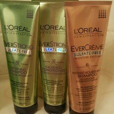 Photo of L'Oréal Paris EverStrong Thickening Shampoo uploaded by Heather M.