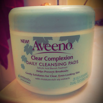 Aveeno Clear Complexion Daily Cleansing Pads uploaded by Phyllis A.