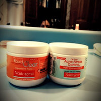 Neutrogena® Oil-free Acne Stress Control® Night Cleansing Pads uploaded by Michelle F.