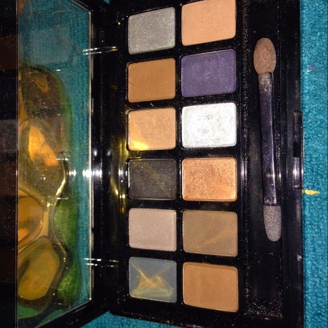 Maybelline New York The Smokes Eye Shadow Palette uploaded by Kailen S.