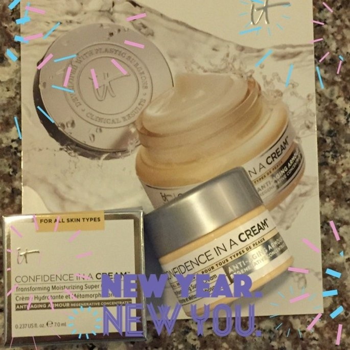 It Cosmetics Confidence in a Cream Transforming Moisturizing Super Cream uploaded by Rosa Y.