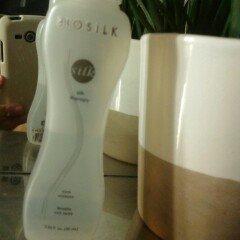 Biosilk Silk Therapy Treatment, 12 fl oz uploaded by carolina D.