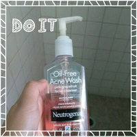 Neutrogena Oil-Free Pink Grapefruit Acne Wash Facial Cleanser uploaded by Gloria O.