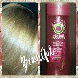 Photo of Herbal Essences Fruit Fusions, Purifying Shampoo, with Kiwi, Kumqu - 12 fl oz uploaded by Criss V.
