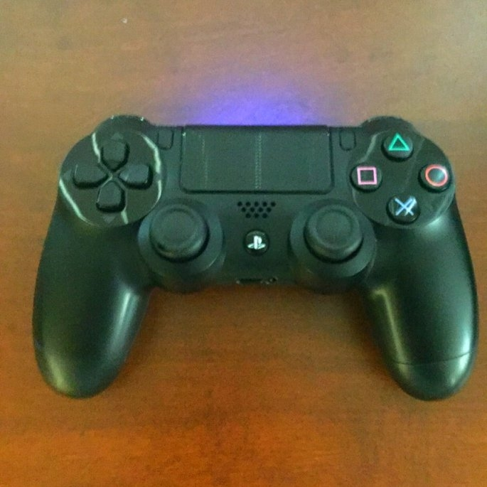 Sony DualShock 4 Wireless Controller - Black (PlayStation 4) uploaded by Elias G.