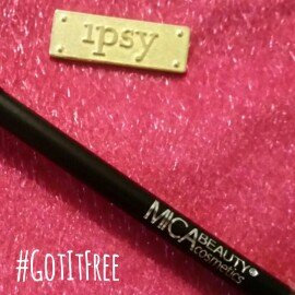 Photo of Micabeauty Angle Eye Shadow Brush uploaded by Sara B.