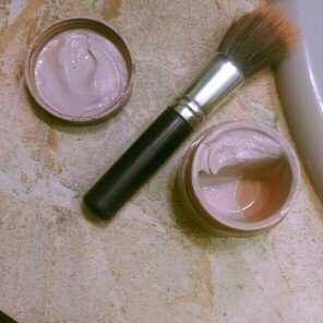 Photo of Almay Smart Shade Mousse Makeup uploaded by Audrey Paige S.
