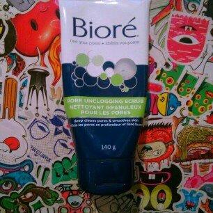 Photo of Biore Pore Unclogging Scrub uploaded by Sammie H.