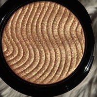 MAKE UP FOR EVER Pro Light Fusion Highlighter 2 Golden uploaded by Meaghan B.
