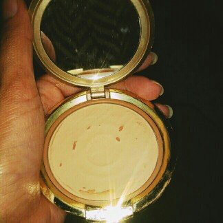 Photo of Milani Even-Touch Powder Foundation uploaded by Paola T.