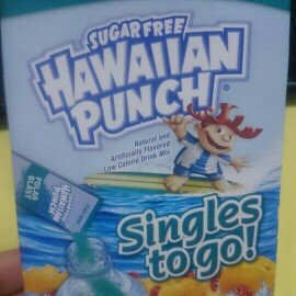 Photo of Hawaiian Punch : Singles To Go! Polar Blast uploaded by Jacqueline G.