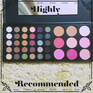 Photo of BH Cosmetics Special Occasion Palette uploaded by Mandi G.