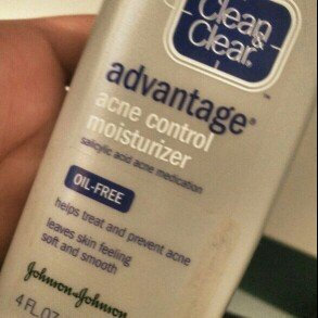Clean & Clear Advantage Acne Control Moisturizer uploaded by Laura M.