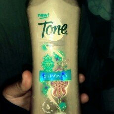 Photo of Tone Fruit Peel Daily Exfoliating Body Wash uploaded by Elizabeth I.