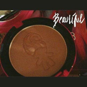M.A.C Good Luck Trolls Beauty Powder-GLOW RIDA-One Size uploaded by Molly N.