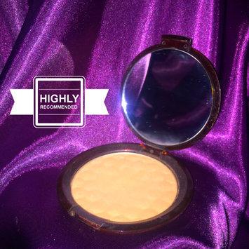 The Body Shop Honey Bronzing Powder uploaded by Rebecca M.