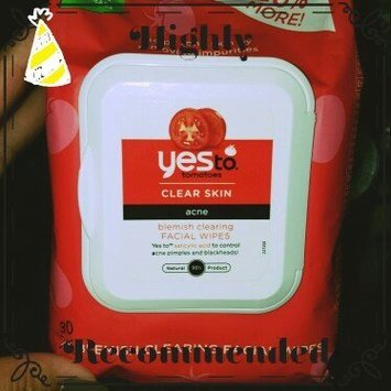 Yes to Tomatoes Blemish Clearing Facial Wipes uploaded by Ivy T.