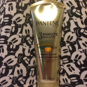 Photo of Pantene 3 Minute Miracle Smooth & Sleek Deep Conditioner uploaded by Alejandra P.