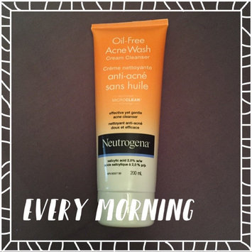 Neutrogena Oil-Free Acne Wash Cream Cleanser uploaded by Clara S.
