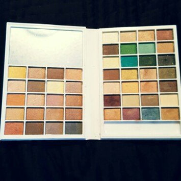Photo of e.l.f. Cosmetics Eyeshadow Book uploaded by Danielle T.