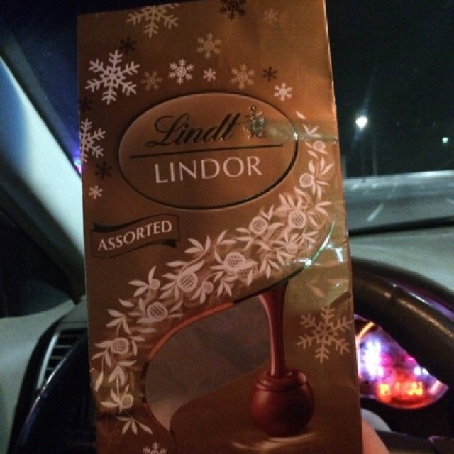 Lindt Lindor Truffles Ultimate Assortment uploaded by Keri H.