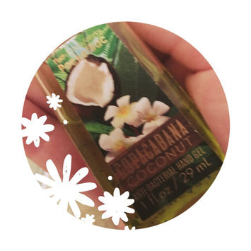 Bath & Body Works Copacabana Coconut Deep Cleansing Hand Soap uploaded by carmen l.