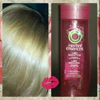 Herbal Essences Hydralicious Reconditioning Shampoo uploaded by Criss V.