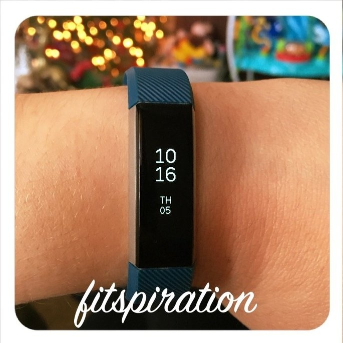 Fitbit 'Alta' Wireless Fitness Tracker, Size Small - Black uploaded by Kathy T.