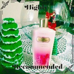 Photo of Victoria's Secret Pure Seduction Hydrating Body Lotion uploaded by Marglys C.