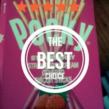 Photo of Glico Pocky Strawberry Cream Covered Biscuit Sticks uploaded by Andrea W.