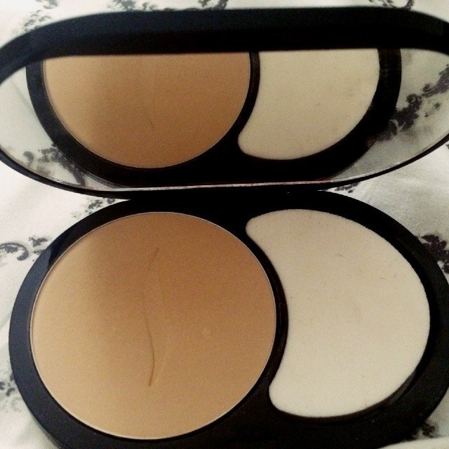SEPHORA COLLECTION 8 HR Mattifying Compact Foundation uploaded by Shajwan O.