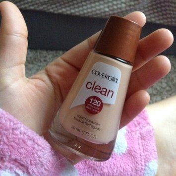Cover Girl Warm Beige Sensitive Skin Liquid Make Up uploaded by Barbara G.
