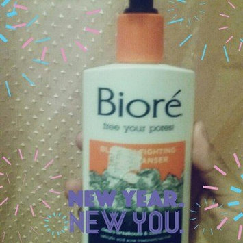 Bioré Blemish Fighting Ice Cleanser uploaded by Yulisa M.